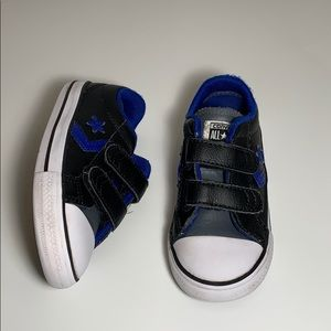 Used converse low top toddler sz 8 clean pair